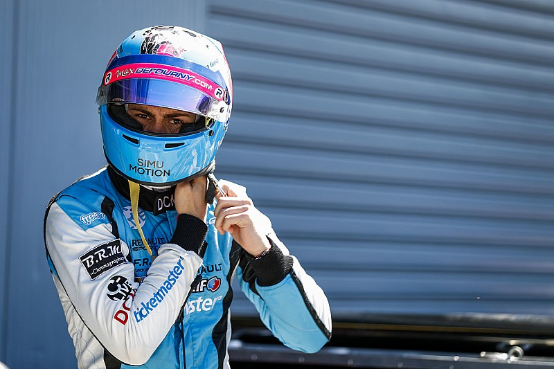 Defourny joins VAR for Nurburgring F3 round