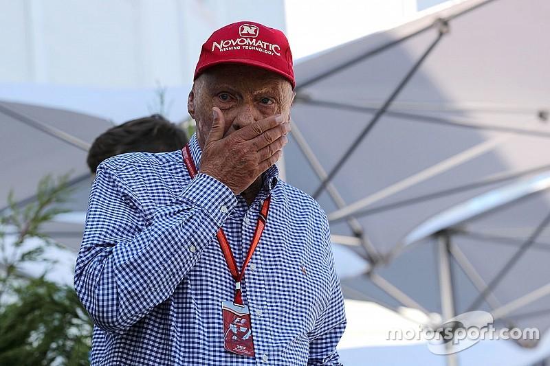 Lauda: Hamilton'ın fren diski kırıldı