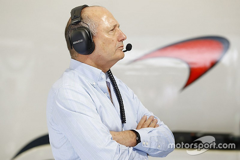 Рон Денніс влаштовує грандіозну прощальну вечірку для McLaren