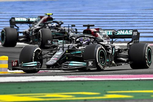 Schumacher a Mercedes gumigondjáról, Verstappen elévágásáról vélekedett