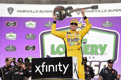 Kyle Busch holds off Allgaier at Nashville for 100th Xfinity win