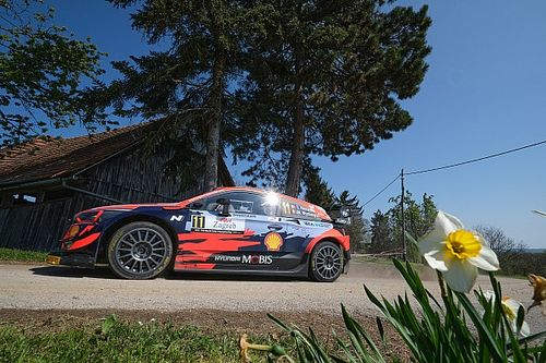 WRC Rally Croatia: Neuville holds slender lead from Ogier