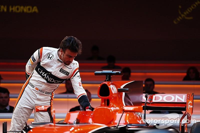 Alonso habló con Mercedes tras la retirada de Rosberg