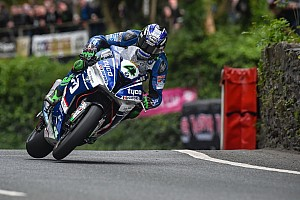 Road racing Gara TT 2017, Hutchinson trionfa in Superbike