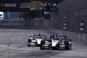 IndyCar Отчет о гонке Рейхол выиграл в Детройте, Алешин пробился с 20-го места на шестое
