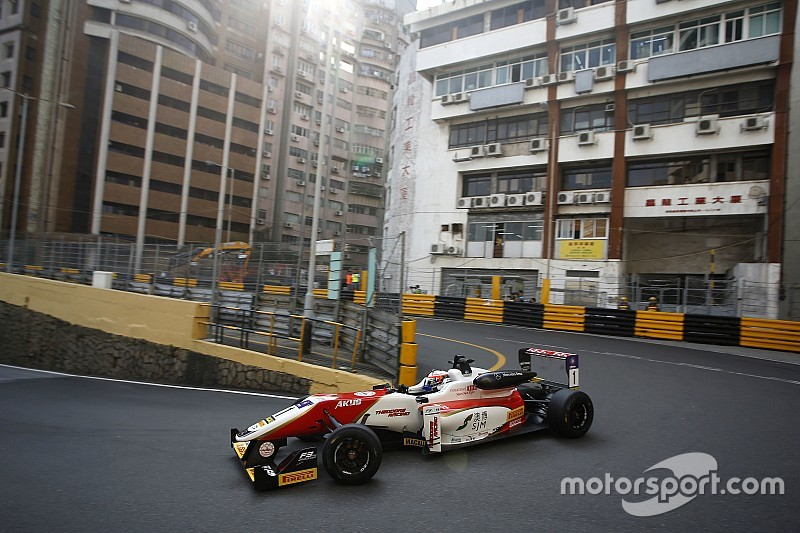 Macau GP: Rosenqvist fastest, Habsburg shunts in first practice