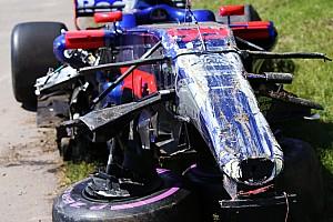 Формула 1 Самое интересное Фото: что осталось от машины Сайнса после аварии в Канаде