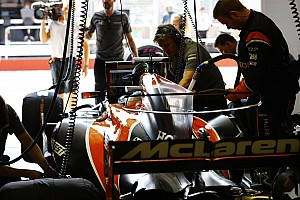Formula 1 Special feature Video: McLaren fires up Renault-powered MCL33
