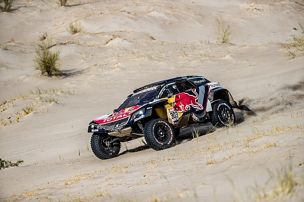Carlos Sainz übersteht Getriebeprobleme bei der Rallye Dakar