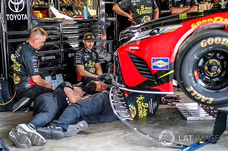 Dover Cup practice mired by inspection delays; Menard fastest