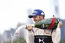 Формула E Берд во второй раз выиграл гонку Формулы Е в Нью-Йорке