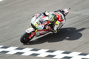 MotoGP Отчет о тренировке Кратчлоу опередил Виньялеса на 0,095 секунды в третьей тренировке