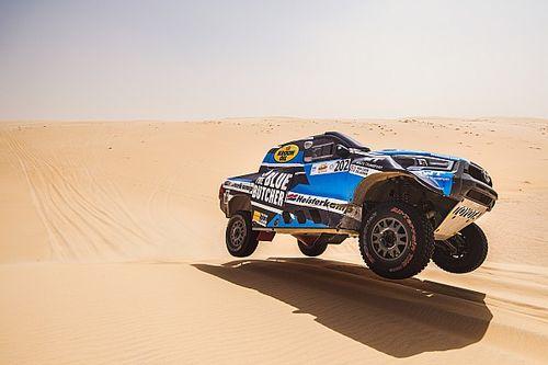 Van Loon leert waardevolle lessen in eerste voorbereiding op Dakar 2022