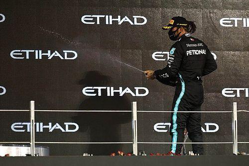 Ecclestone nem dől be Hamiltonék színjátékának