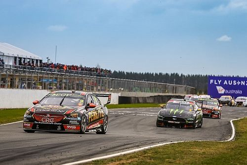 COVID outbreak forces Tasmania Supercars round postponement