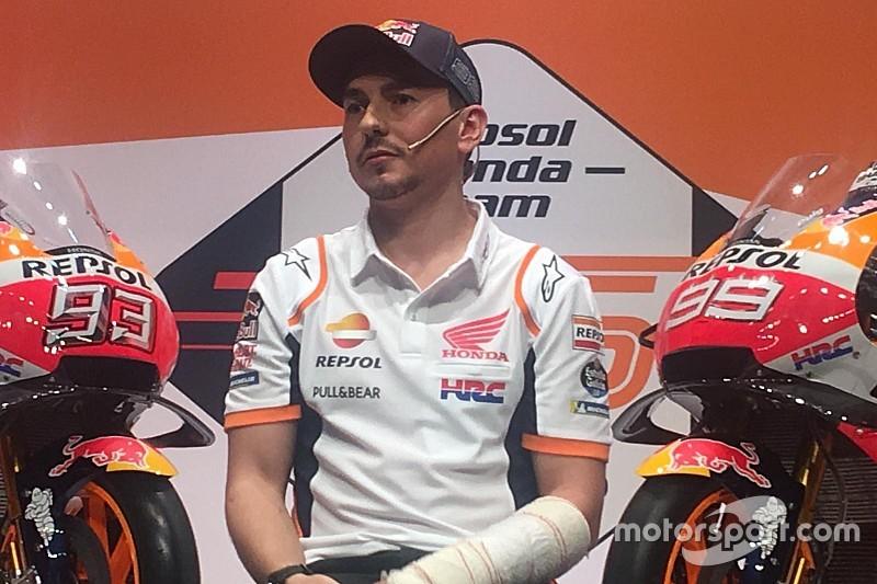 """Lorenzo: """"La primera vez que llegué al box de Rossi era joven y un poco inconsciente"""""""