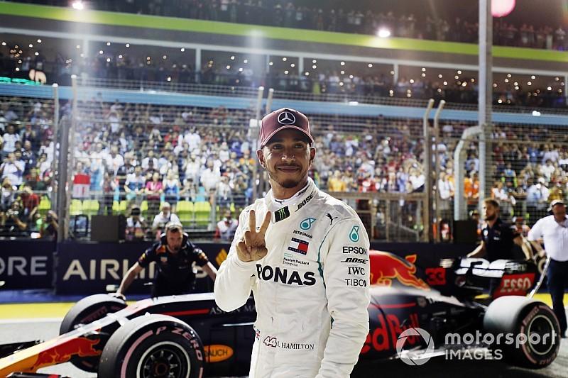 Hamilton és Vettel pole köre Szingapúrból: videó
