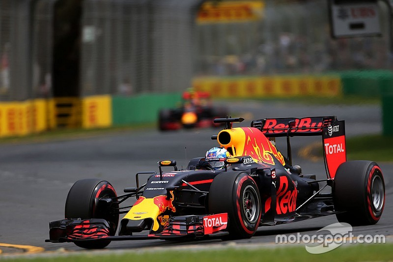 "Renault engine upgrade expected ""around Montreal"" - Ricciardo"