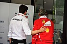 Forma-1 A Mercedes tart attól, hogy a Ferrari le fogja szerződtetni Hamiltont