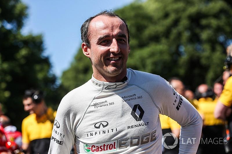 Renault, Kubica'nın 2017'de yarışmayacağı konusunda ısrarcı