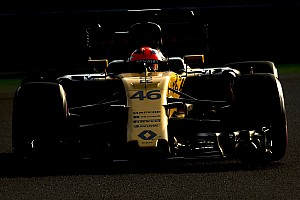Formula 1 Top List Gallery: Robert Kubica at the wheel of the Renault RS17