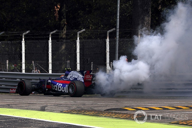 """Toro Rosso: """"Sok dolgunk van még a futamig"""""""