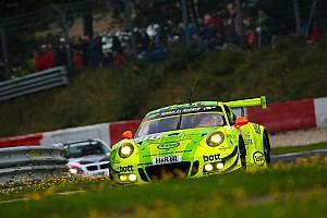 VLN Rennbericht VLN 7: Manthey-Porsche siegt bei Abbruch nach Massencrash