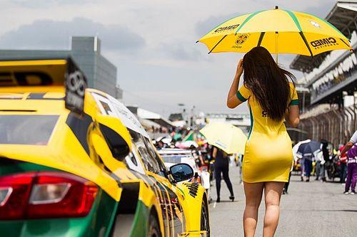 Grid girls abrilhantam Corrida de Duplas da Stock Car