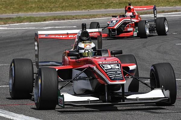 Інші Формули Репортаж з гонки Юніор Ferrari з Росії дивовижно виграв титул у серії Toyota