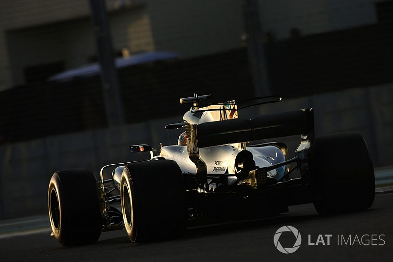 Відео: команда Mercedes уперше завела двигун Ф1 2018 року