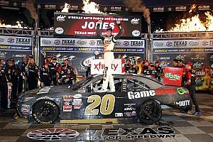NASCAR XFINITY Crónica de Carrera Erik Jones completa la barrida en Texas