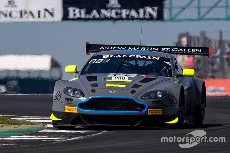 Vaxiviere, Thiim e Dennis portano in trionfo l'Aston Martin a Silverstone