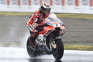 MotoGP Reporte de pruebas Lorenzo y Crutchlow se enzarzan tras sufrir un accidente (vídeo)