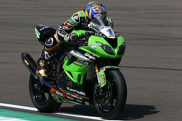 World SUPERBIKE Supersport Donington Park: Kenan çok rahat kazandı!