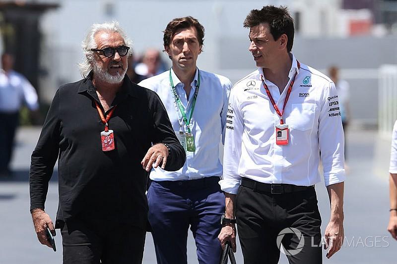 Wolff desvela lo que habló con Briatore sobre Alonso