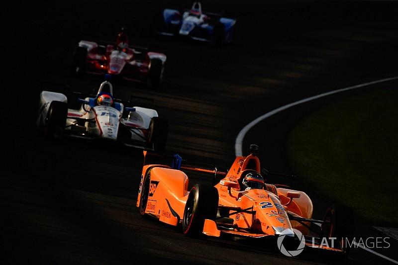 """Alonso, un """"meilleur pilote sur ovale"""" grâce au roulage dans le trafic"""
