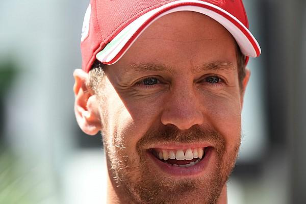 Vettel sorride: \