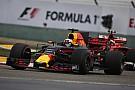 A Red Bull boldogan nézte Ricciardo és Verstappen csatáját