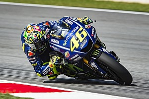 MotoGP Motorsport.com hírek Rossi folytatná 2019-ben is, de még meglátja