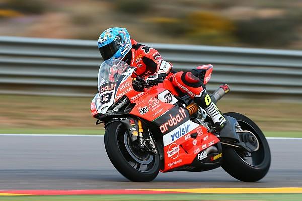 World Superbike Melandri, el mejor de un viernes en Motorland pasado por agua
