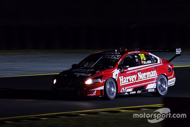 Supercars adds additional night running for Sydney