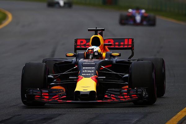 Forma-1 BRÉKING Dráma: Ricciardo alatt megállt a Red Bull a felvezető körön