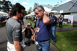 Dakar Noticias Fernando Alonso aplaude a Carlos Sainz
