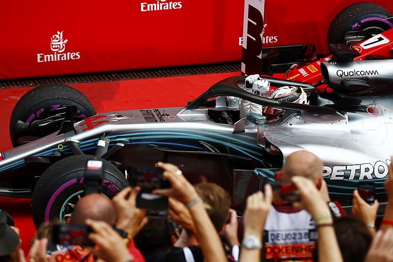 Hamilton nem is figyelt Vettelre, mikor a német a falban kötött ki