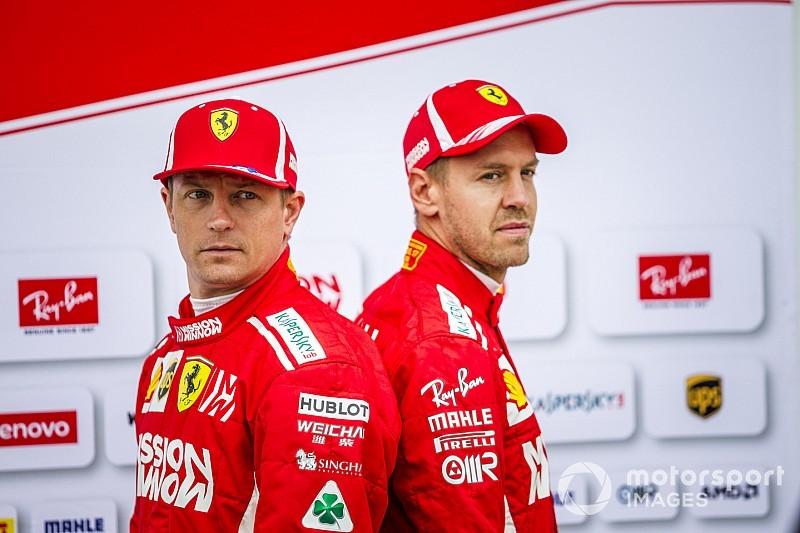 Búcsúajándék: Räikkönen és Vettel sisakot cseréltek