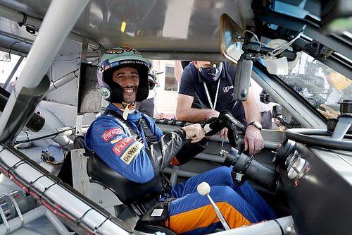 Vídeo: Ricciardo disfruta con el NASCAR de Dale Earnhardt en Austin