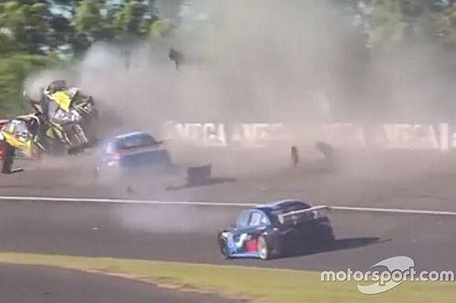 VIDEO: Zware crash in toerwagenrace Argentinië