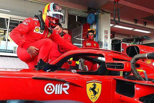 Fotos: Sainz cambia el diseño de su casco con Ferrari