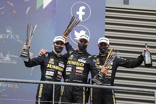 """Racing Team Nederland kent """"perfecte start"""" met winst in Pro-Am"""
