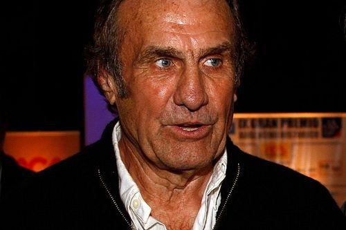 Carlos Reutemann mejora y sale de terapia intensiva